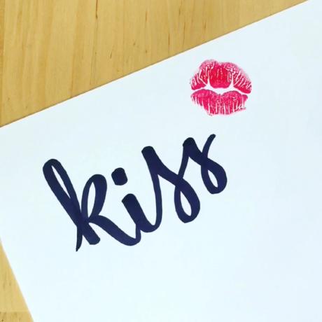 image-calligraphy-kiss-allwritebyme