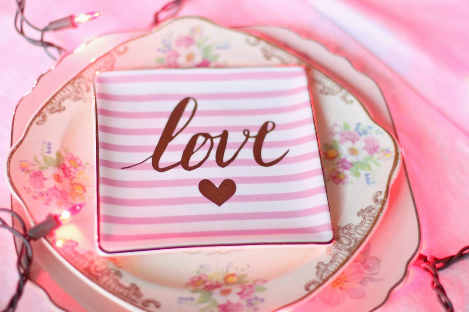 4 Easy DIY Valentine\'s Day Decorating Tips